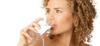 Ağızdaki kuruluk dişlere zarar veriyor