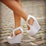 Beyaz-Dolgu-Topuk-Ayakkabı-Modelleri 80