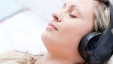 Müzik dinlemek sağlığa iyi geliyormuş!