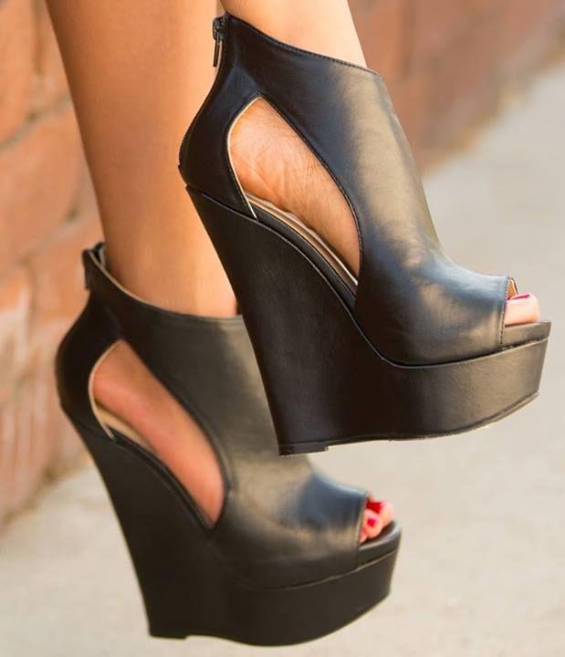 Dolgu Topuk Yazlık Ayakkabı Modelleri - Sade Kadınlar