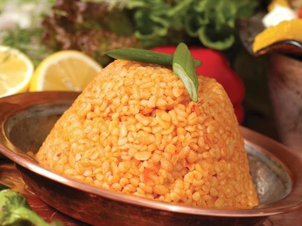 En Sevilen yiyecekler kaç kalori biliyormusunuz? Domatesli Bulgur Pilavı: 73 kcal