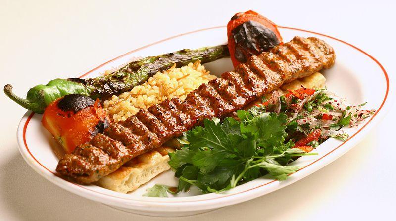 En Sevilen yiyecekler kaç kalori biliyormusunuz? Adana Kebap: 239 kcal
