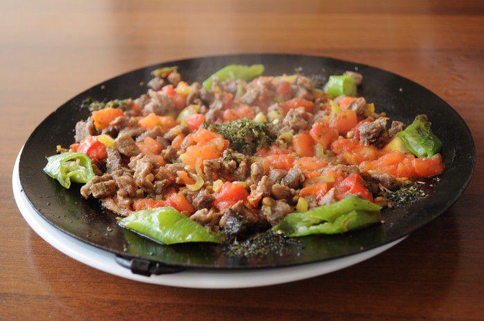 En Sevilen yiyecekler kaç kalori biliyormusunuz? Sac Kavurması: 193 kcal