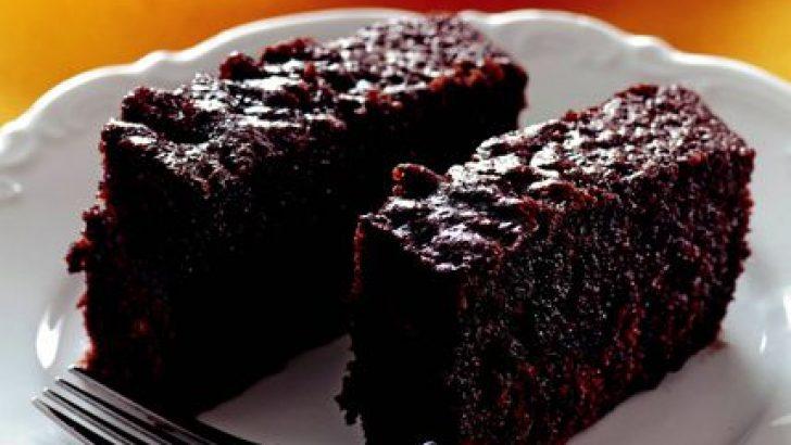 Çikolata ve Vişne Aşkını Tek Bir Lokmada Birleştiren Vişneli Islak Kek Nasıl Yapılır 77