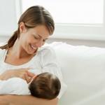 Annenin ilk sütü (kolostrum) bebeğe yapılan ilk aşı gibidir