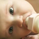 Bebeğin zihinsel ve zeka gelişimine katkıda bulunur