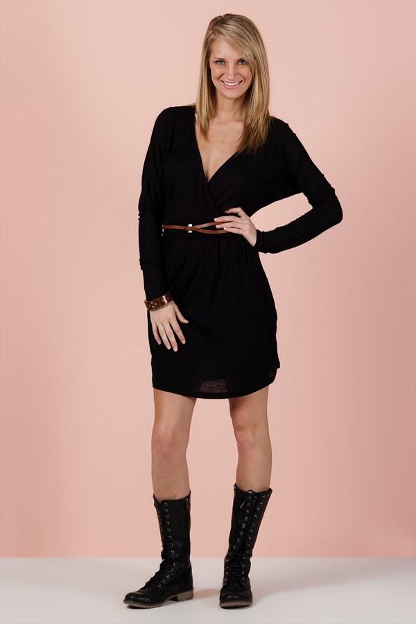 Siyah kısa gece elbiseleri