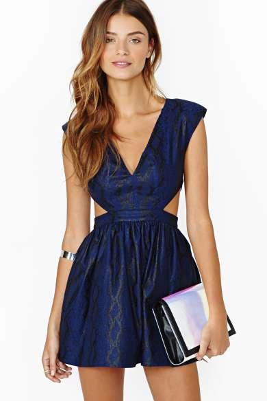 En Güzel V yaka Kısa Gece Abiye Elbise Modelleri