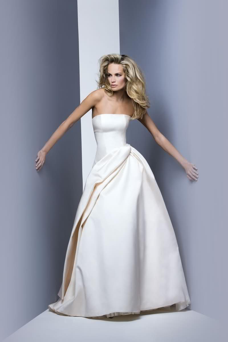 Beyaz Elbise Modelleri Gelinleri Bile Kıskandıracak Elbiseler