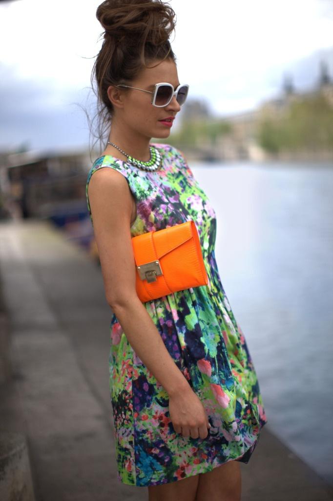 Sıcak Yaz Günleri İçin En Moda Yazlık Elbise Trendleri