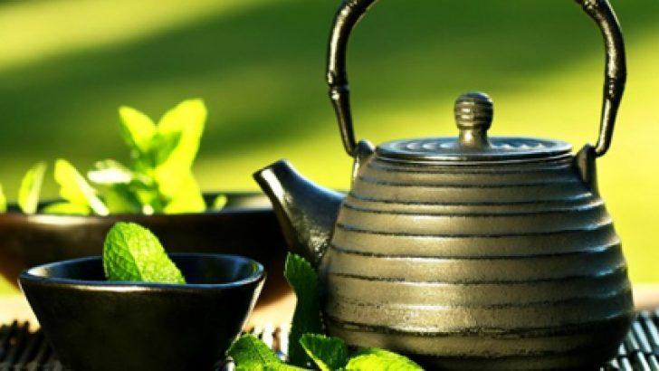Bu Zayıflama Çayı ile Kilolara Veda Edin