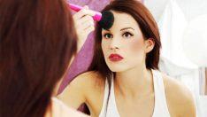 Daha Kalıcı Bir Makyaj İçin Bunları Yapın