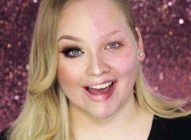 """Kadınların """"Youtube""""daki Yeni Trendi – Makyajın Gücü"""