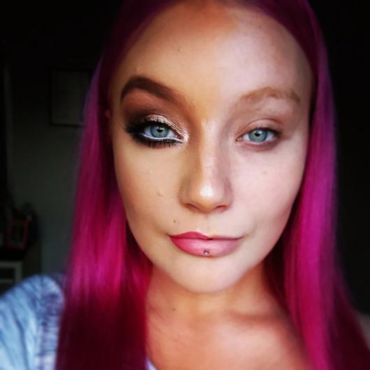 Kadınların Youtubedaki Yeni Trendi - Makyajın Gücü (13)