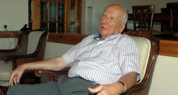 Türkiye Cumhuriyeti'nin 7. Cumhurbaşkanı olan Kenan Evren 9 Mayıs 2015`te 98 yaşında hayatını kaybetti.