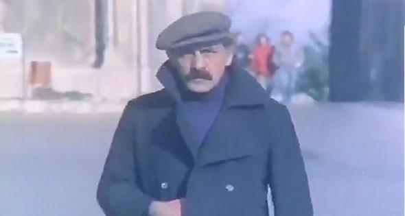 Yeşilçam`ın emektar oyuncularından Sırrı Elitaş 8 Ekim 2015`te 71 yaşında hayata veda etti.