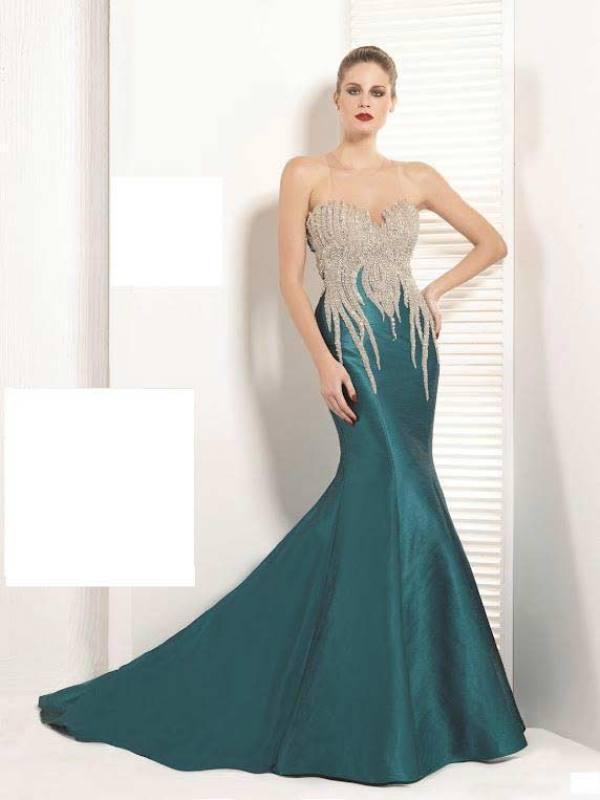 Taş detaylı petrol mavisi renkte nişan elbisesi
