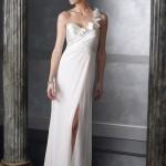 beyaz_abiye_modelleri_Tek omuzlu beyaz nişan elbisesi