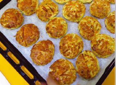 Hellim Peynirli Çörek Tarifi