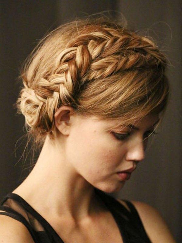 Birbirinden Şık ve Güzel Örgü Saç Modelleri (9)