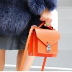 Renkli Çantalar - 2017 Sokak Modası Trendleri