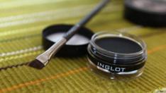 Evde Doğal Eyeliner Nasıl Yapılır?