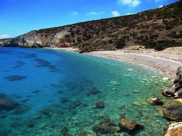 Gavdos Adası-Diğer Yunan adalarının 40-50 yıl önceki hallerine sahiptir. Plajda geceleyebilir, uyuyabilirsiniz. Agios ve Potamos plajları Akdeniz'in en iyi plajı olma ünvanına sahiptir.