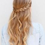 Gelinliğinize Çok Yakışacak 2020 Örgü Gelin Saç Modelleri Sarı Uzun Yarım Örgülü Saç