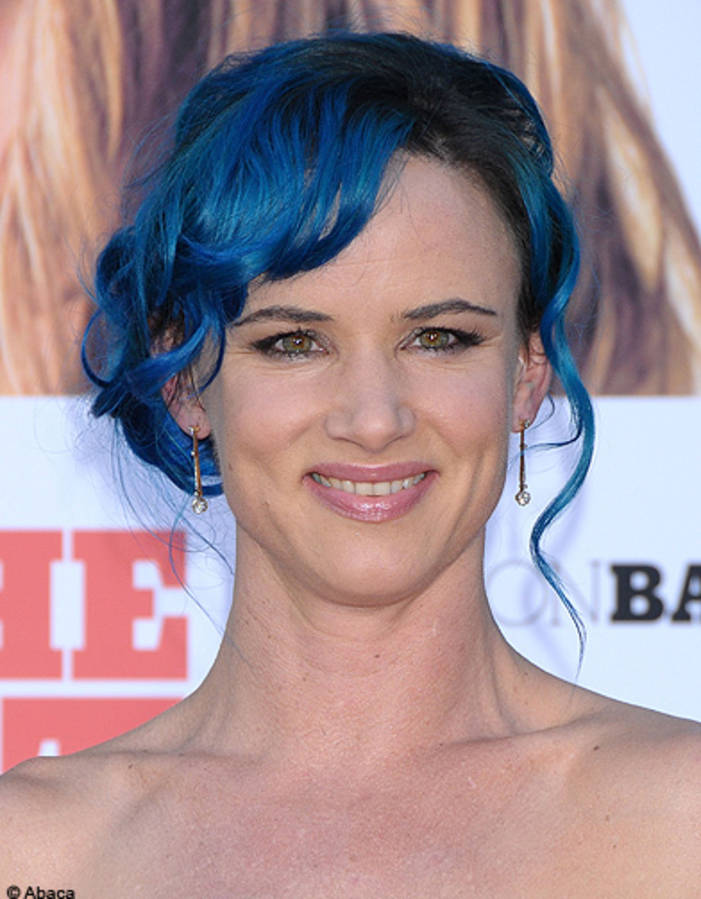 The-hair-blue-color-Juliette-Lewis