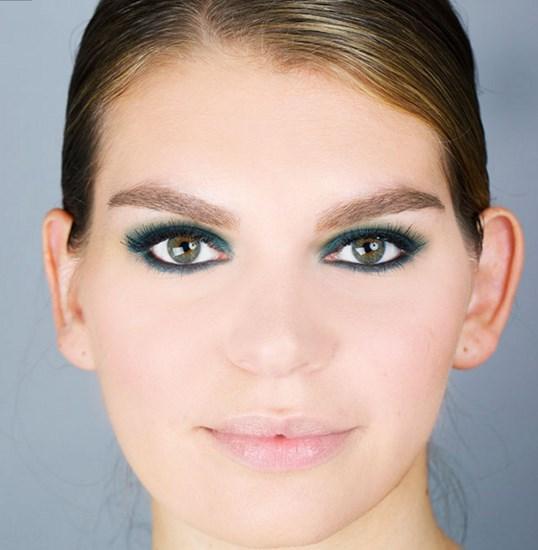 Marjinal Göz Makyajı Teknikleri Nelerdir?