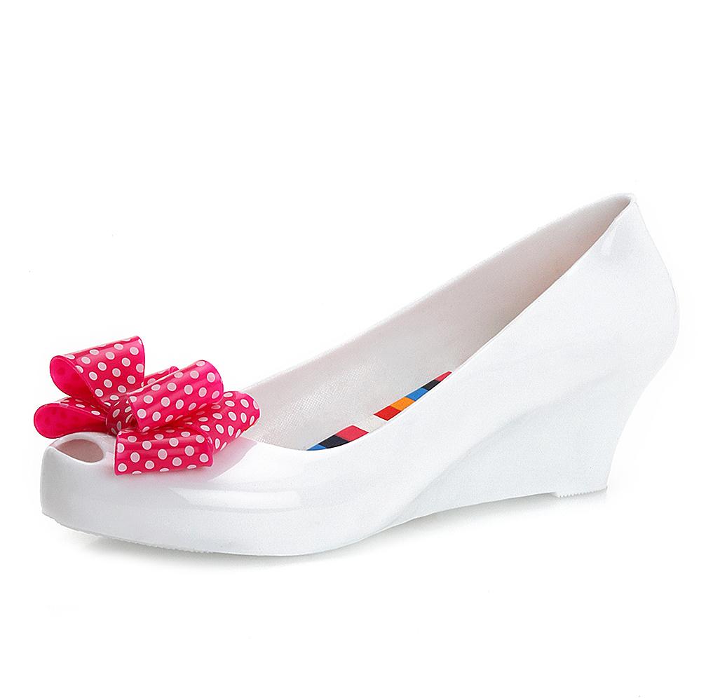 beyaz-topuklu-gelin-ayakkabi-modelleri-15