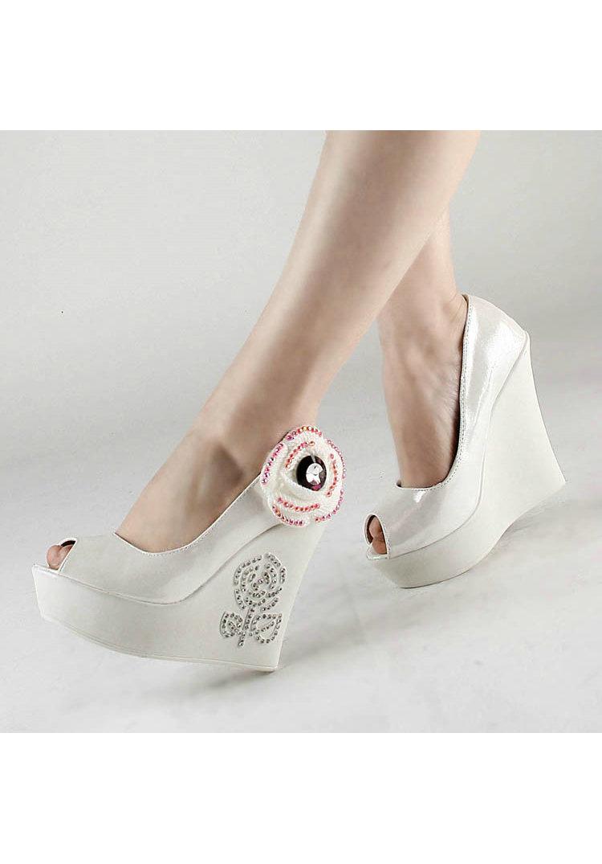 beyaz-topuklu-gelin-ayakkabi-modelleri-2