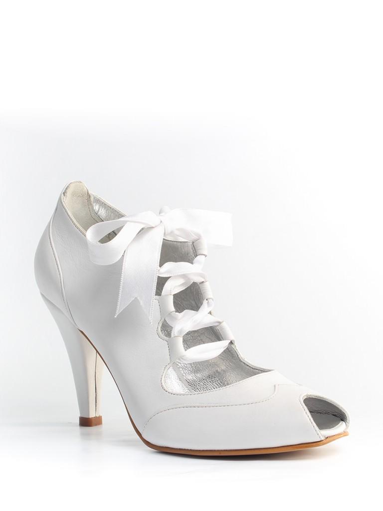beyaz-topuklu-gelin-ayakkabi-modelleri-21
