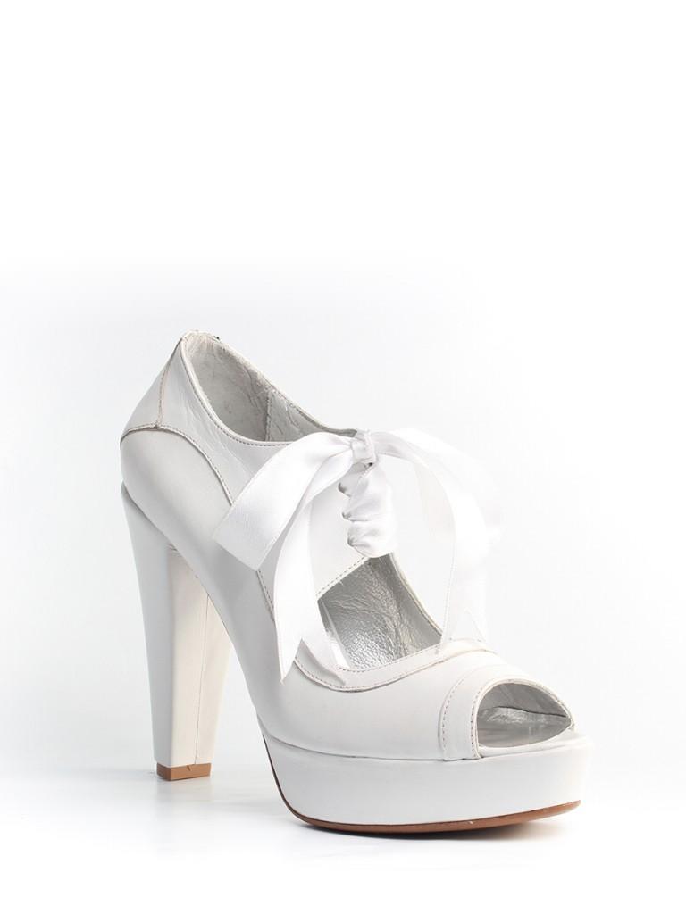 beyaz-topuklu-gelin-ayakkabi-modelleri-22
