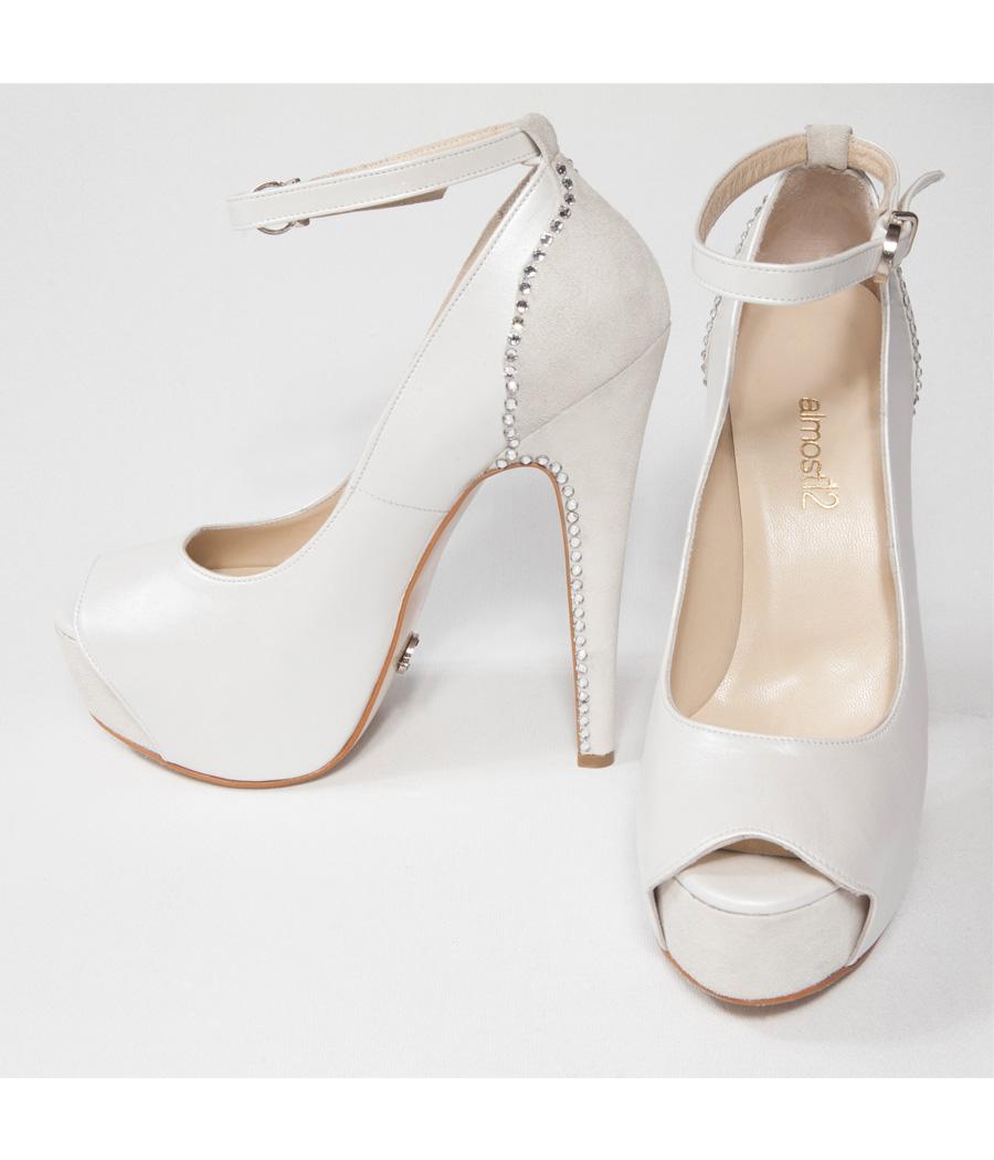 beyaz-topuklu-gelin-ayakkabi-modelleri-25