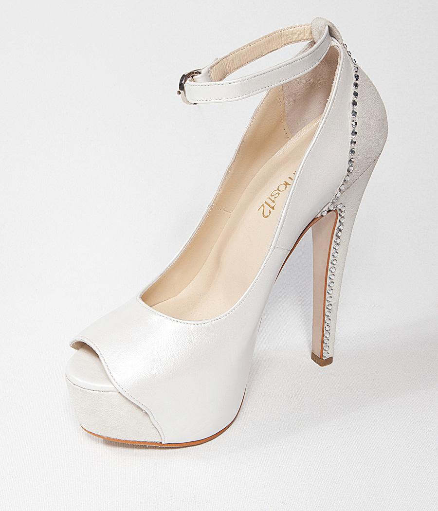 beyaz-topuklu-gelin-ayakkabi-modelleri-26