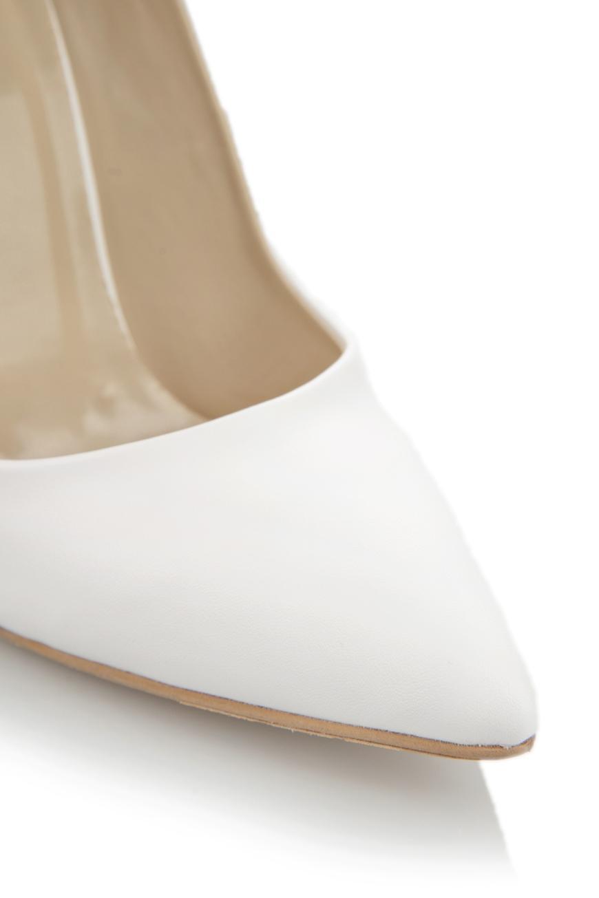 beyaz-topuklu-gelin-ayakkabi-modelleri-38