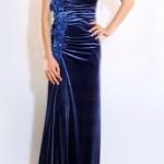 en-guzel-kadife-abiye-elbise-modelleri-16