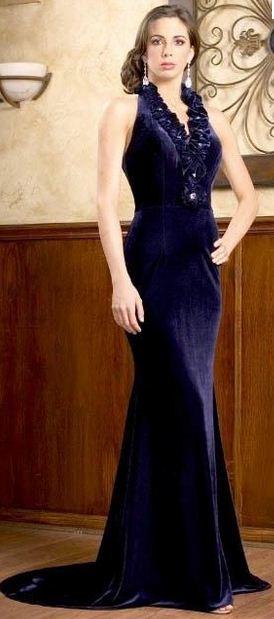 en-guzel-kadife-abiye-elbise-modelleri-17