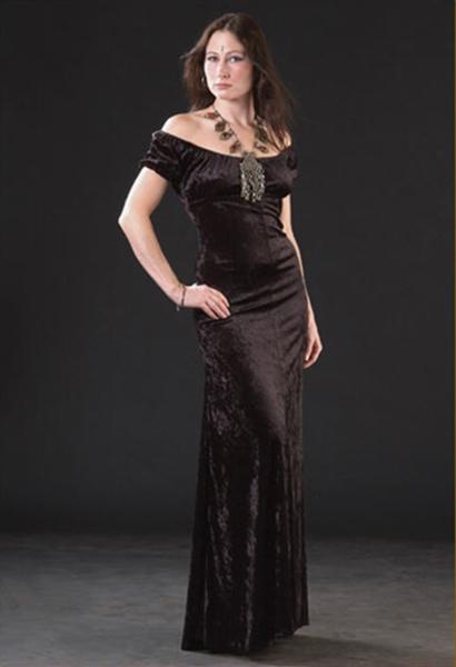 en-guzel-kadife-abiye-elbise-modelleri-23