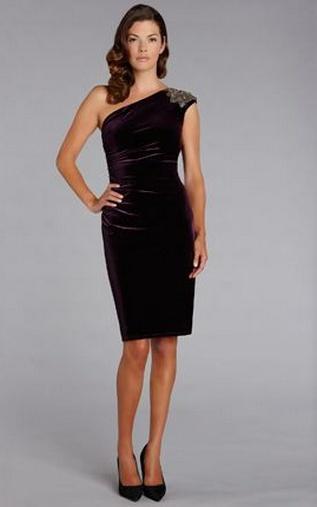 en-guzel-kadife-abiye-elbise-modelleri-24