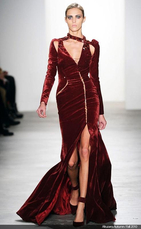 en-guzel-kadife-abiye-elbise-modelleri-28
