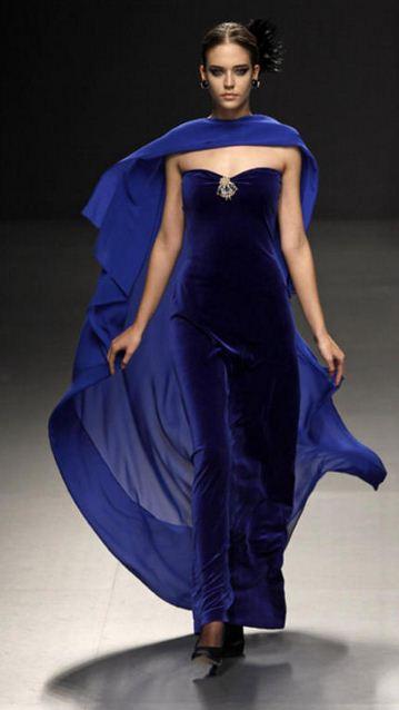 en-guzel-kadife-abiye-elbise-modelleri-8