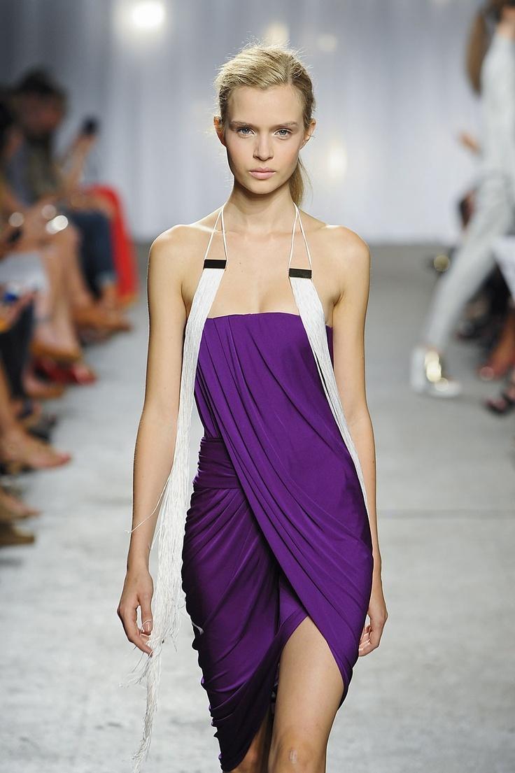 en-guzel-mor-abiye-elbise-modelleri-38