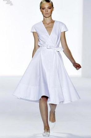 en-trend-beyaz-elbise-modelleri-15