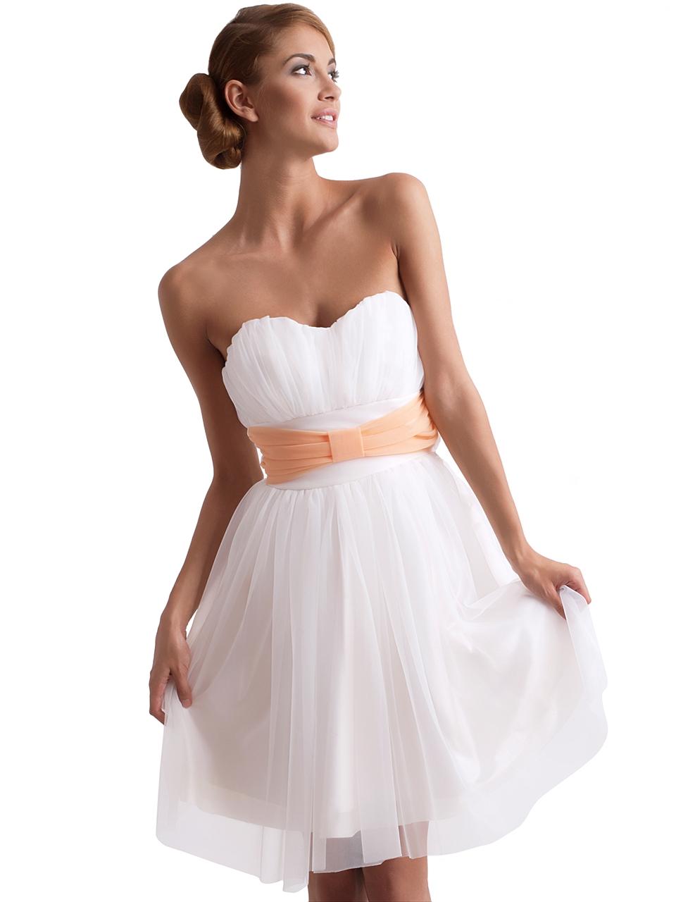 en-trend-beyaz-elbise-modelleri-23