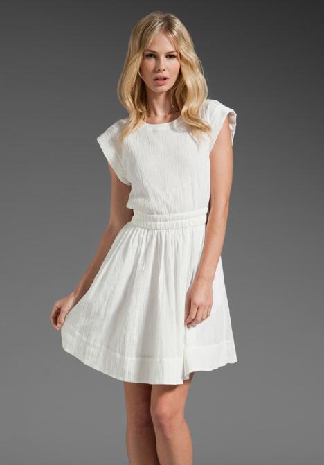 en-trend-beyaz-elbise-modelleri-28