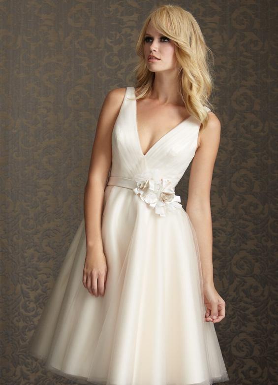 en-trend-beyaz-elbise-modelleri-35