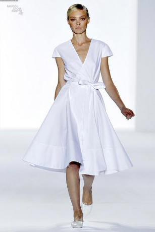 en-trend-beyaz-elbise-modelleri-4