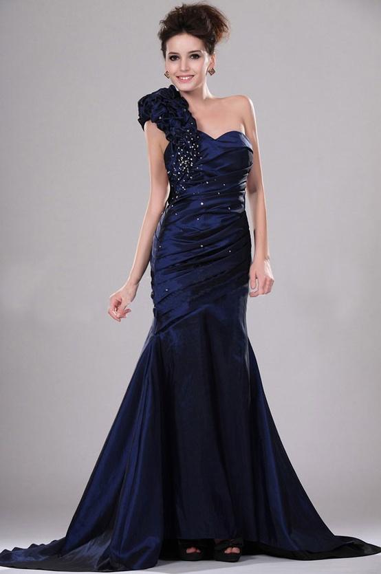 lacivert-abiye-elbise-modelleri-13